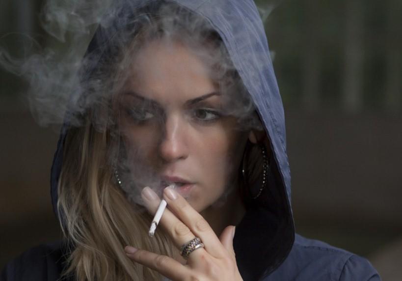 Почему люди начинают курить? Причины курения.